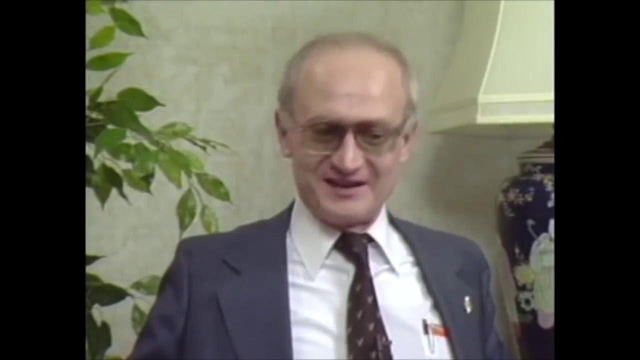 KGB defector Yuri Bezmenov warns America (best audio)